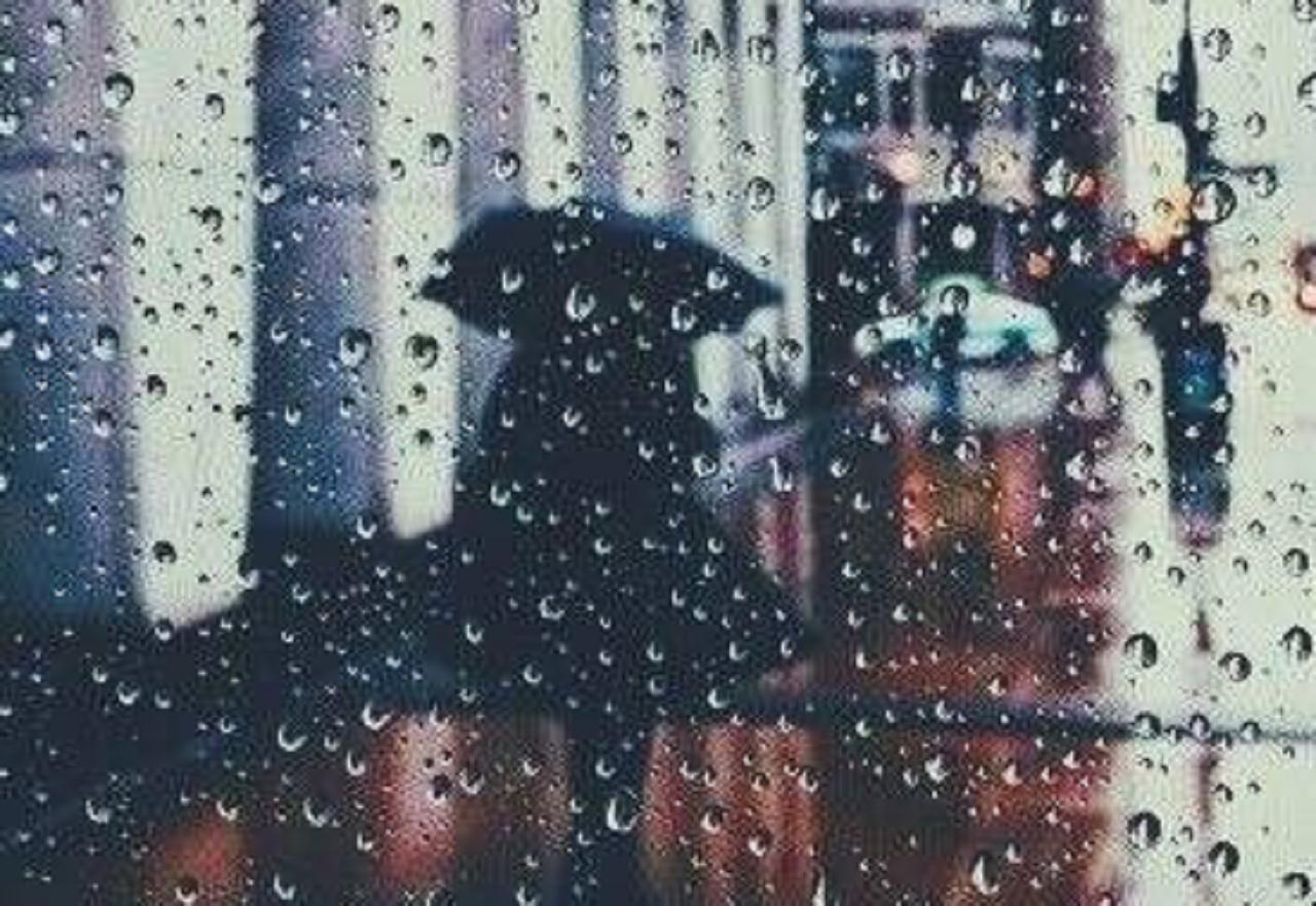 下雨天的心境说说伤感的句子 在也找不到当初的雨天