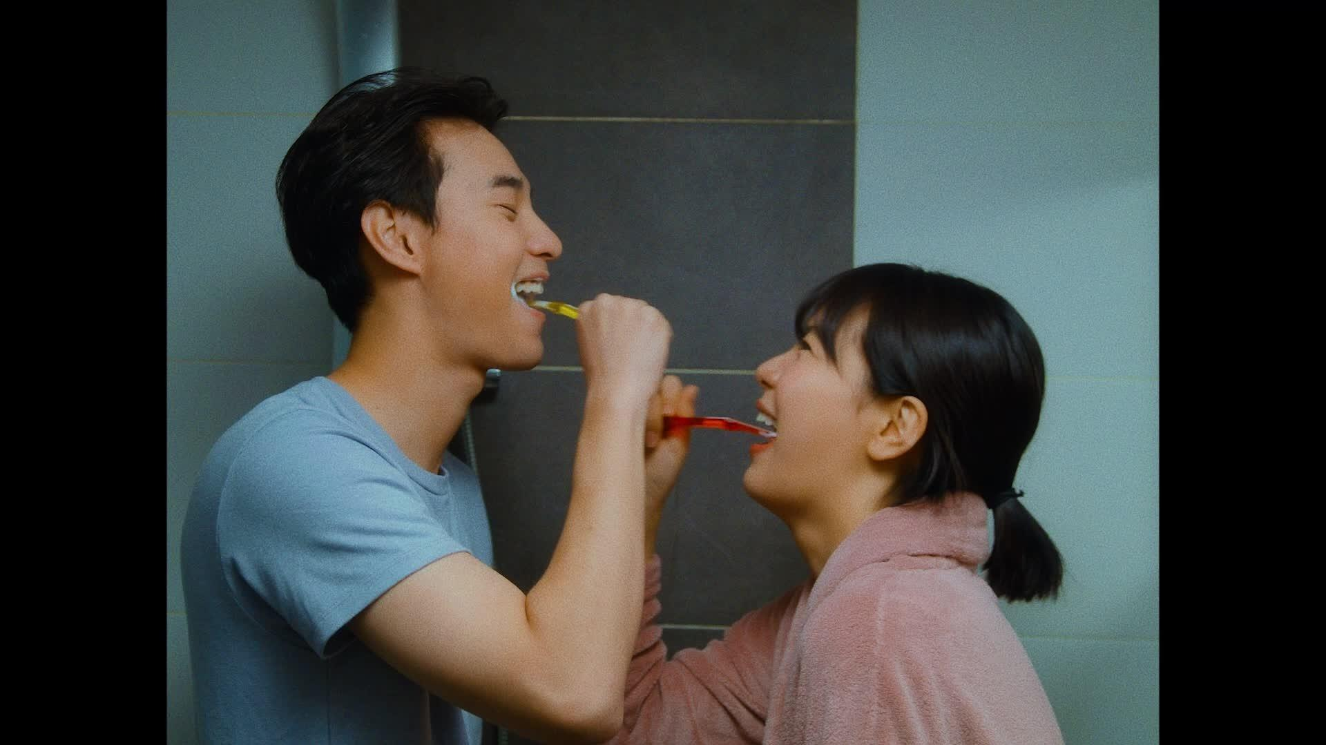 「me after you paul kim」の画像検索結果