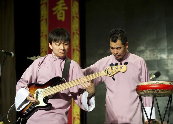 南城二哥李双江_【樂乎】南城二哥:曲艺遇上摇滚乐 - 专栏文章 - 网易云音乐